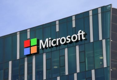 microsoft cloud services sees sudden surge in traffic upto 775 percent
